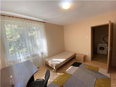 Apartament cu 3 camere de inchiriat, mobilat si utilat, in Cornisa