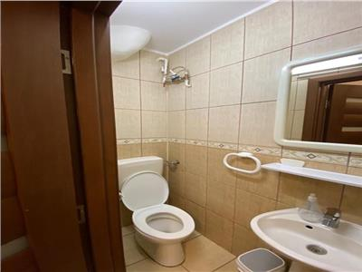 Apartament cu 4 camere de inchiriat, in 7 Noiembrie