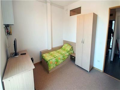 Vand apartament cu 3 camere in 7 Noiembrie la 6 minute de UMF