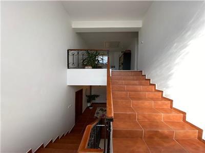 Casa de vanzare cu 4 camere, zona in Sancraiul de Mures