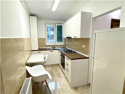 Inchiriez apartament cu 2 camere in Cornisa  la doar 5 minute de UMF