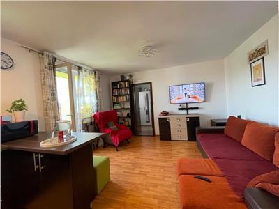 Vanzare apartament cu 3 camere situat in zona semicentrala