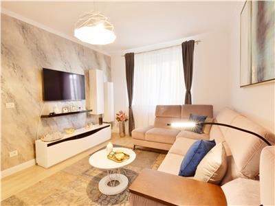 Inchiriere apartament singur pe nivel, 4 camere, lux, in 7 Noiembrie