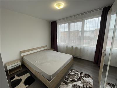 Apartament cu 3 camere modern, de inchiriat, zona 7 Noiembrie