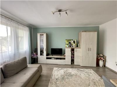 Vanzare apartament cu 2 camere, renovat recent, aflat in zona Poli 2