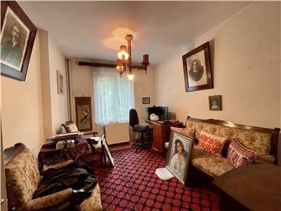 Vanzare apartament 4 camere, et. 1, aflat la 10 minute distanta de UMF