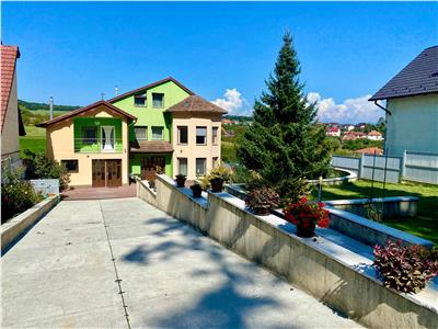Vand casa in Reghin 450 mp utili cu Piscina si Teren 2325 mp