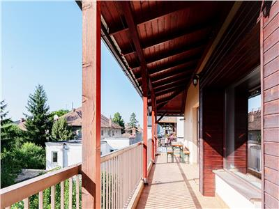 Vanzare apartament cu 4 camere, 110 mp utili, situat in zona centrala
