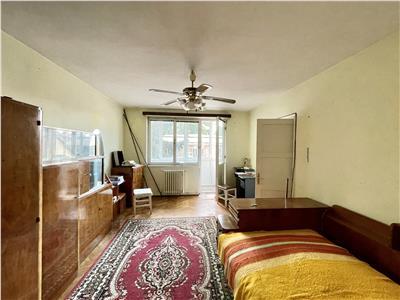 Vanzare apartament cu 2 camere, etaj 1, amplasat in zona semicentrala