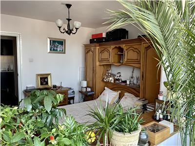 Vanzare apartament cu 2 camere aflat in zona semicentrala
