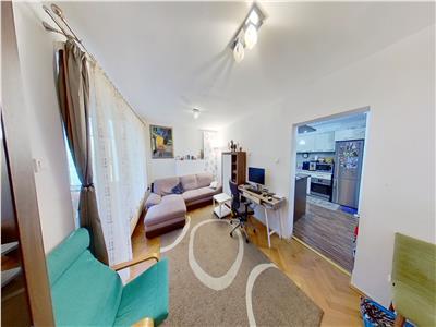 Vand apartament cu 3 camere in Tudor, str.Bucinului, etaj 1