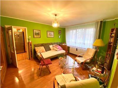 Inchiriez apartament cu 2 camere situat in 7 Noiembrie, zona UMF