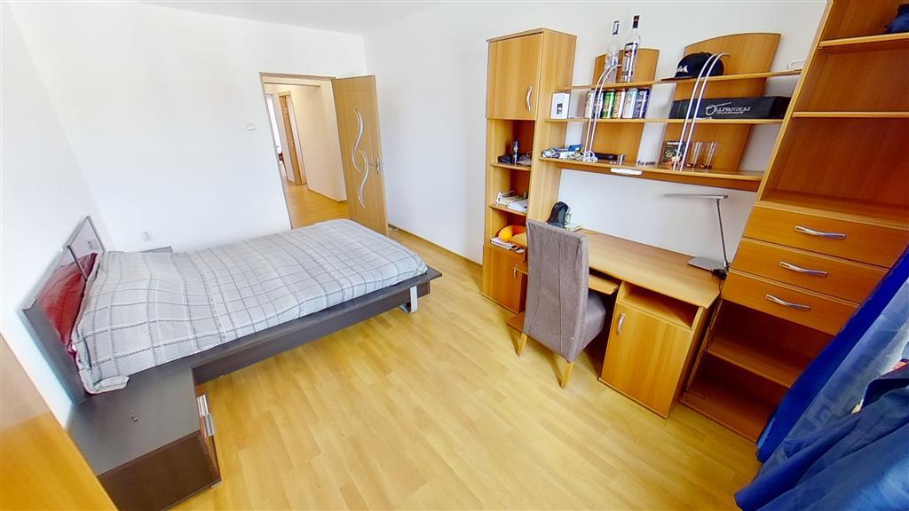 Vand apartament 4 camere, complet mobilat, in zona ultracentrala