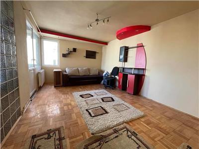 Inchiriere apartament cu 3 camere, mobilat si utilat, aflat in Centru