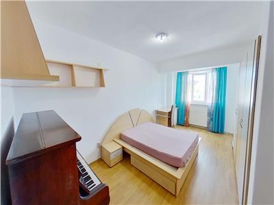 Inchiriez apartament 4 camere, complet, mobilat in zona ultracentrala