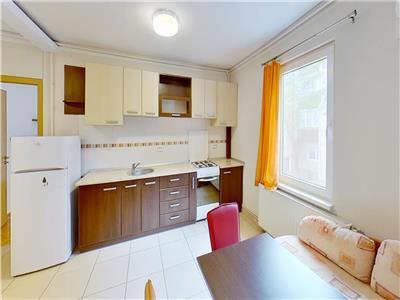Inchiriez apartament cu 2 camere in 7 Noiembrie la 5 minute de UMF