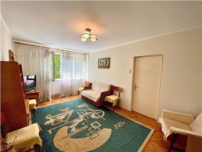 Vand apartament cu 2 camere, str Victor Babes la 7-10 min de UMF