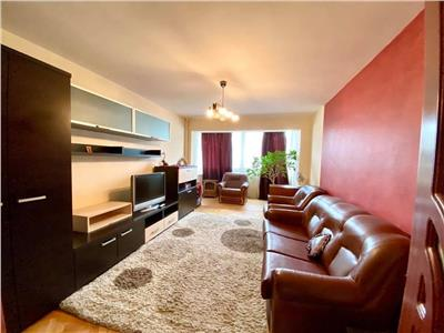 Inchiriez apartament cu 3 camere in Tudor, complet mobilat, etaj 2