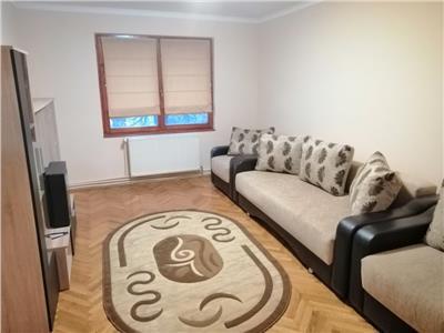 Inchiriez apartament cu 4 camere aflat la 5 minute de UMF