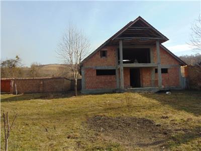 Vand casa in rosu ideala pentru Pensiunea Agro-turistica in Cloasterf